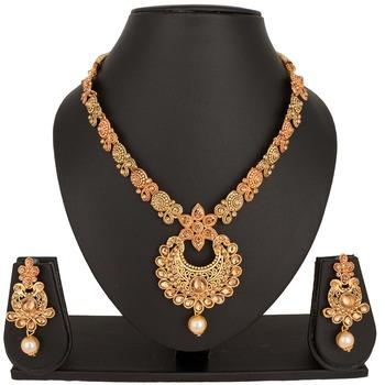 Traditional Pearl Necklace Sets at Best Price